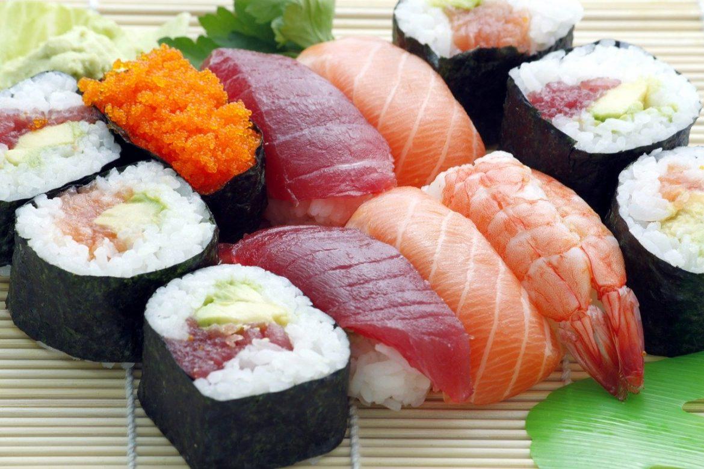 Co jest potrzebne do przygotowania domowego sushi? Lista niezbędnych przedmiotów!